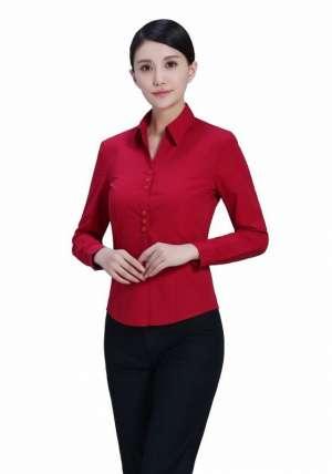 红色V领长袖衬衫