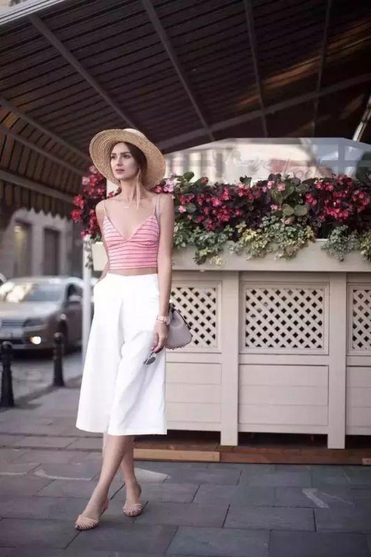选择合适的婚礼礼服 让婚礼看起来简单又浪漫