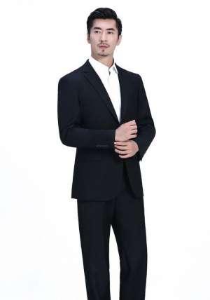 北京服装厂为您介绍专业定制西装穿着的注意事项