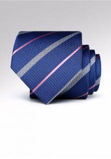 西装领带的打法